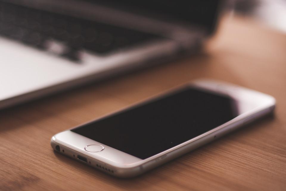 iPhone 上有多少个麦克风?如何检测它们是否都能正常使用?