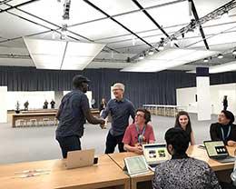 苹果 CEO 库克:AR 会是未来 10 年非常重要的技术