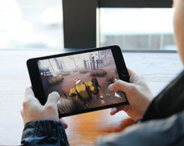 苹果 iPad mini 5:被职业选手推荐的「游戏机」