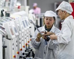 华尔街日报评价苹果过于依赖中国供应链与市场