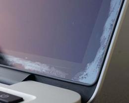 苹果表示 MacBook Air Retina 屏幕也可能出现涂层脱落