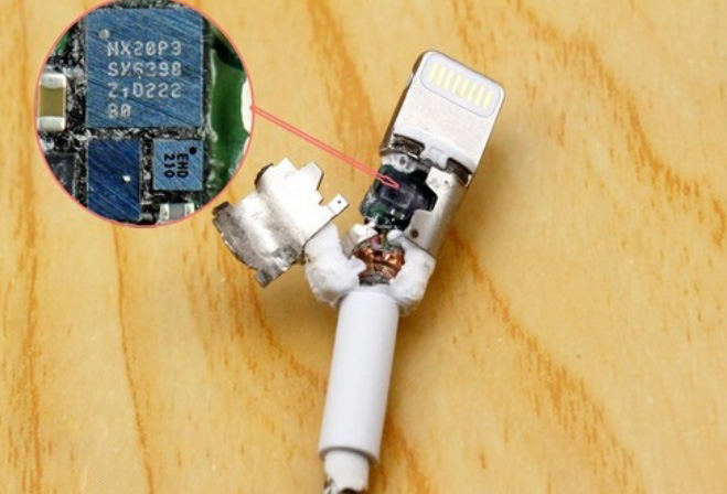 为什么苹果原装数据线价格高昂且易损坏?