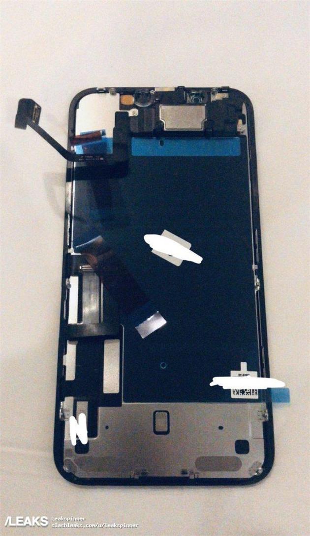 疑似苹果 iPhone 11 前面板曝光:内部变化不大