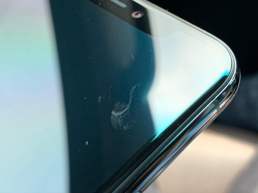 多位 iPhone 11 Pro用户反映手机屏幕易被划伤
