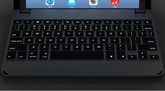 最全能iPad Air铝制键盘:带背光和扬声器