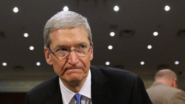 苹果股东起诉乔布斯和库克