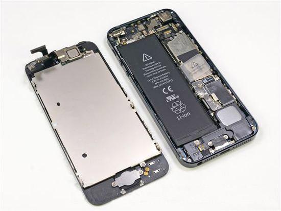 苹果服软 为部分iPhone5免费换电池