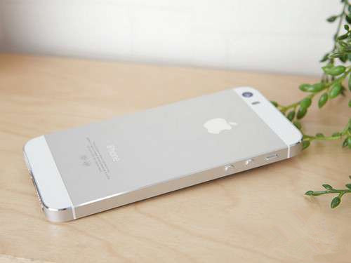 哭瞎:苹果账号被盗,iPhone5s变成砖头