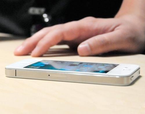少年饿急了偷iPhone只卖了40块钱