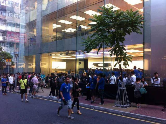 iPhone 6香港开卖:黄牛现货加4000港币