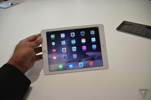 iPad Air 2试玩视频 极致纤薄但缺乏亮点