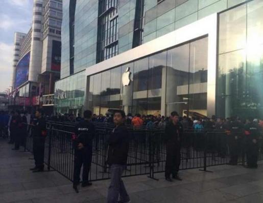 国行iPhone6开卖 现场冷清黄牛加价百元