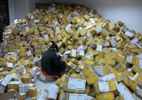 快递员偷iPhone6藏垃圾桶:结果比悲剧更悲剧