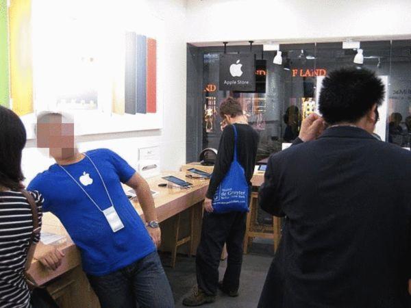 """国内假苹果""""专卖店""""曝光 逼真度爆表"""