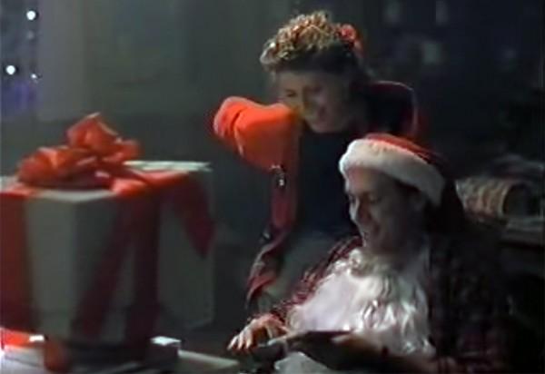 90年代的苹果圣诞视频:尽是嘲讽