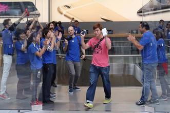 iPhone 6呼风唤雨:日韩本土手机也屈服了
