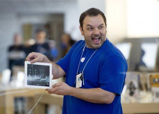 苹果公司员工伙同罪犯盗几十万礼品卡