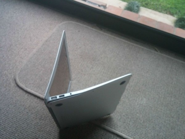 MacBook Air1千英尺高空坠落仍可使用