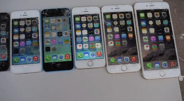 哪代iPhone最耐摔?挨个摔给你看
