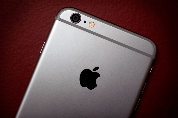 手机解锁法案生效:美版iPhone要涨价了?