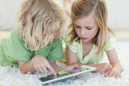 孩子玩20分钟iPhone就会近视?