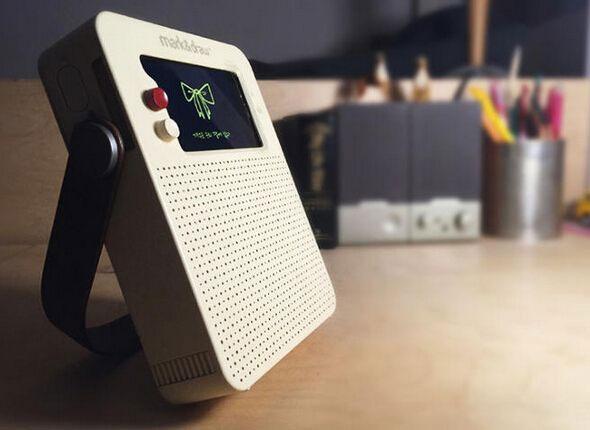 旧iPhone舍不得扔 把它变为收音机