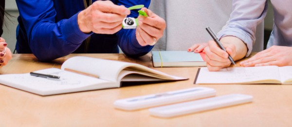 Apple Watch包装盒曝光?低调大方 简单环保