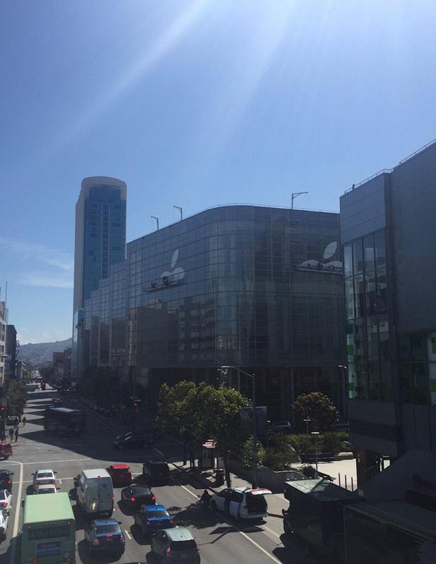 苹果开始装修WWDC 2015主题演讲会场