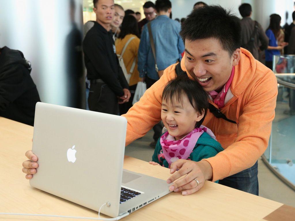 苹果调整MacBook屏幕角度:顾客看得更爽