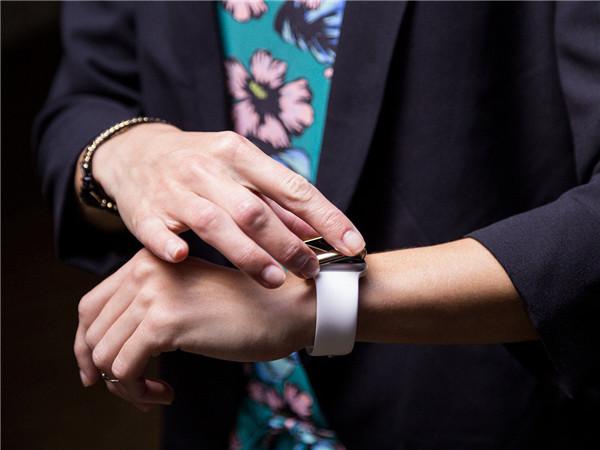 Griffin 发布了两款全新 Apple Watch 保护壳
