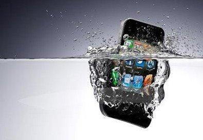 iPhone进水以后第一时间应该怎么做