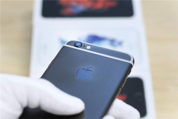 黑金版 iPhone 6s 现身 更酷更拉风