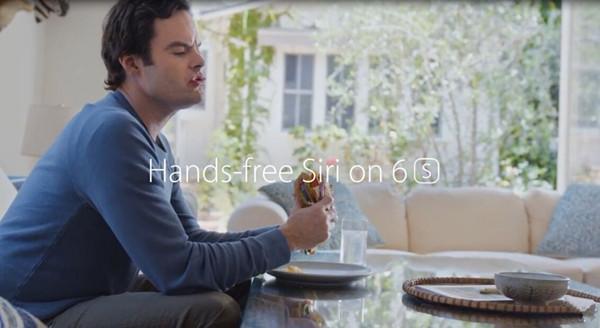 苹果第五支电视广告:让Siri帮你读邮件
