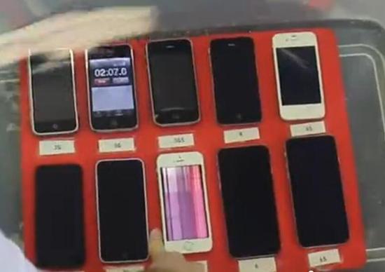 各版本苹果iPhone防水测试:谁表现最好?