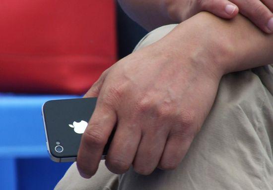 为啥明明很穷却硬买iPhone?