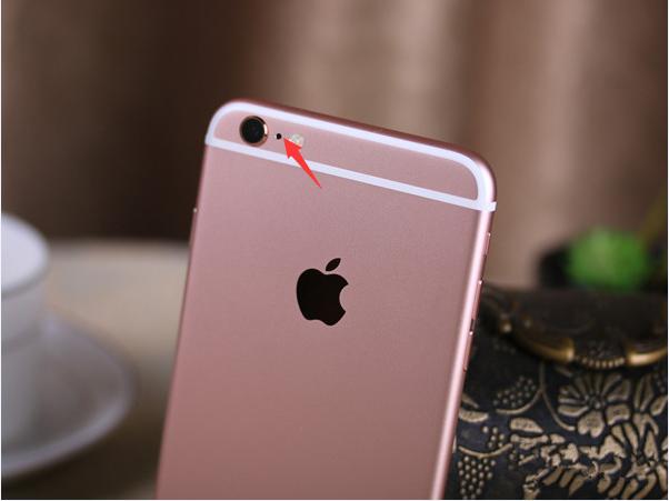 iPhone摄像头旁的小黑点是什么?有什么用