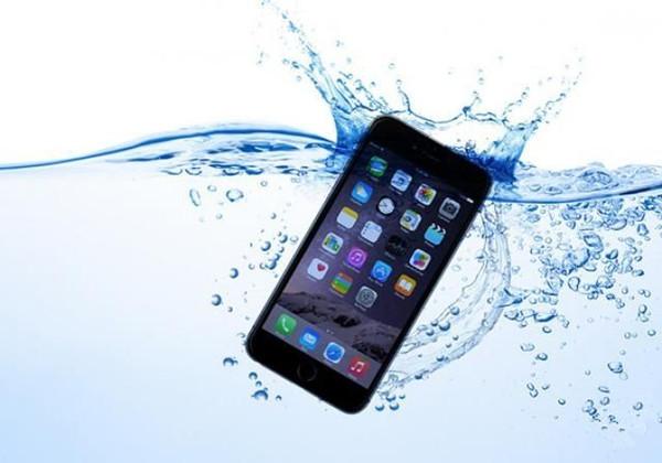 """苹果又有防水新专利:iPhone内置""""防水盖"""""""
