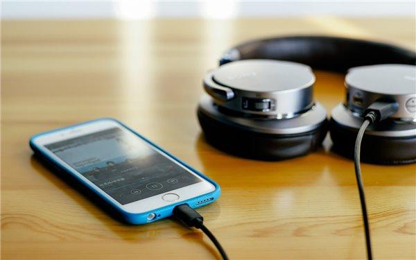 iPhone7放弃3.5mm标准耳机孔值得吗?
