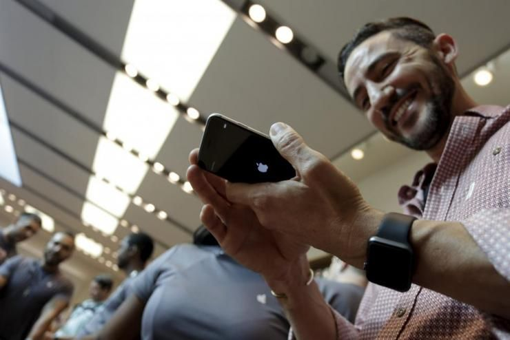 iPhone与Android生生不息的车轮战,谁胜?