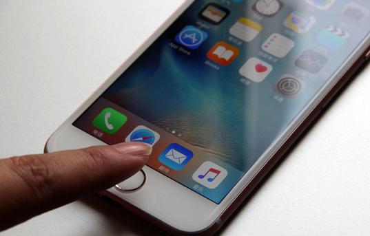 当iPhone 7 和 Galaxy S7撞脸,你会选哪个?
