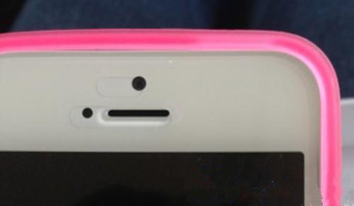 iPhone5摄像头下的小孔是什么?