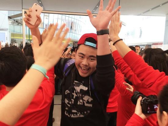 根本停不下来!一个月5家 Apple Store的开业