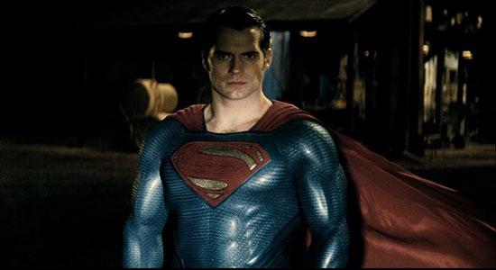 《蝙蝠侠大战超人》终极预告片曝光 上演各种激战谈情戏码