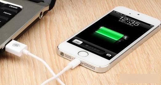 大功率充电器能明显提高苹果iPhone充电速度?