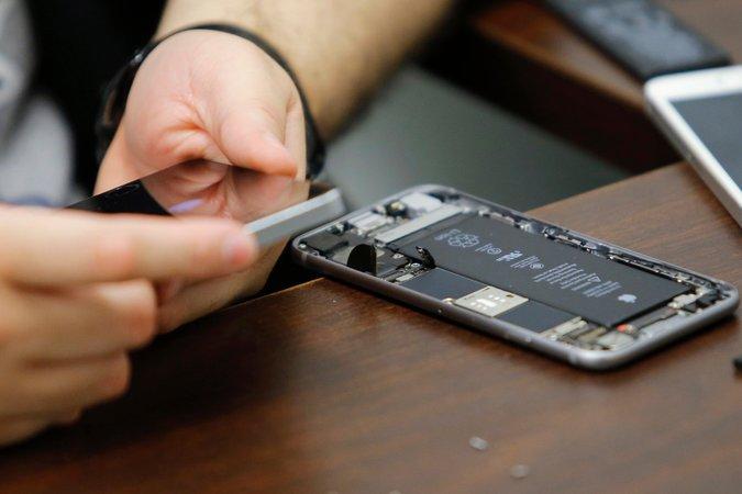 找出谁解锁iPhone是苹果更大的挑战