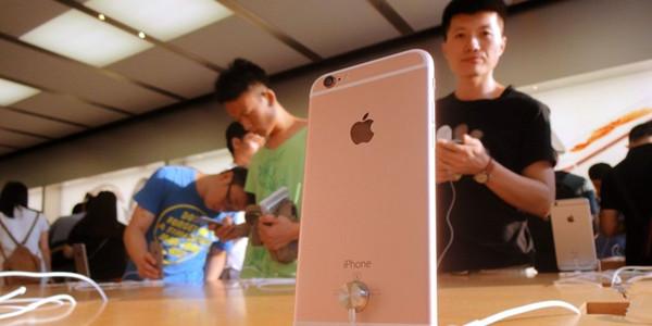 iPhone 7全尺寸屏幕/双摄像头也难阻下滑趋势