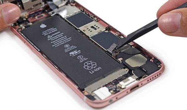 斯诺登预言:年内 iPhone将遭受全球性攻击