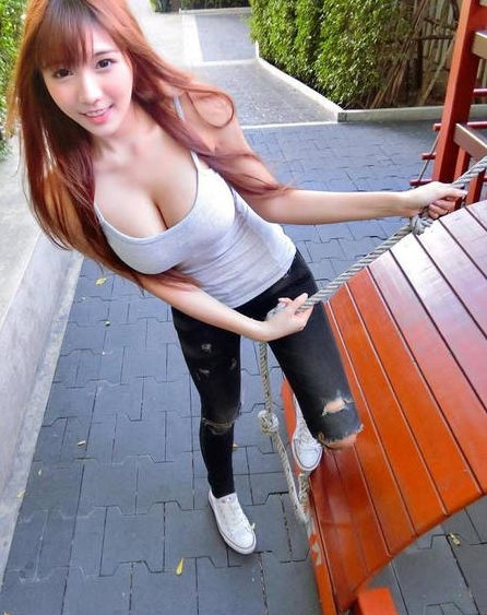 泰国美女主播晒性感私照 这身材有点不科学