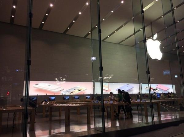 一张图就可以点明,iPhone 已进入淡季