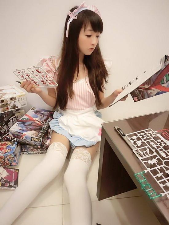 """白丝美腿至少能玩一年 台湾""""合法萝莉""""私照欣赏"""